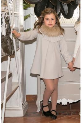 Vestido de niña beig