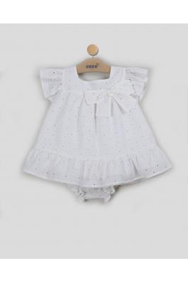 Vestido de bebé calado en blanco