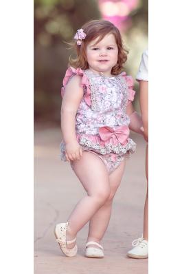 Conjunto de bebé en estampado rosa