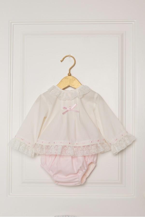Conjunto de bebé con braguita rosa