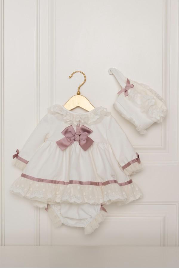 Vestido de bebé beig con detalles en rosa palo
