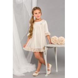 Vestido de niña en tul beig