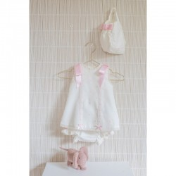 Vestido de bebé beig con detalles rosa